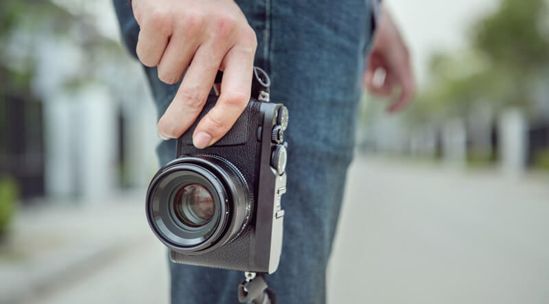 Compact cameras are easy to carry