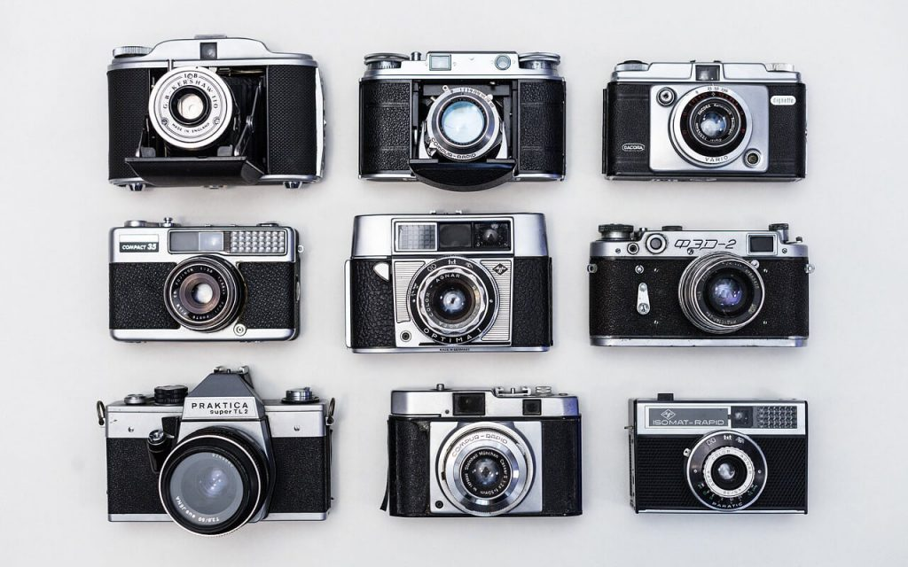 Different-Types-of-Digital-Cameras