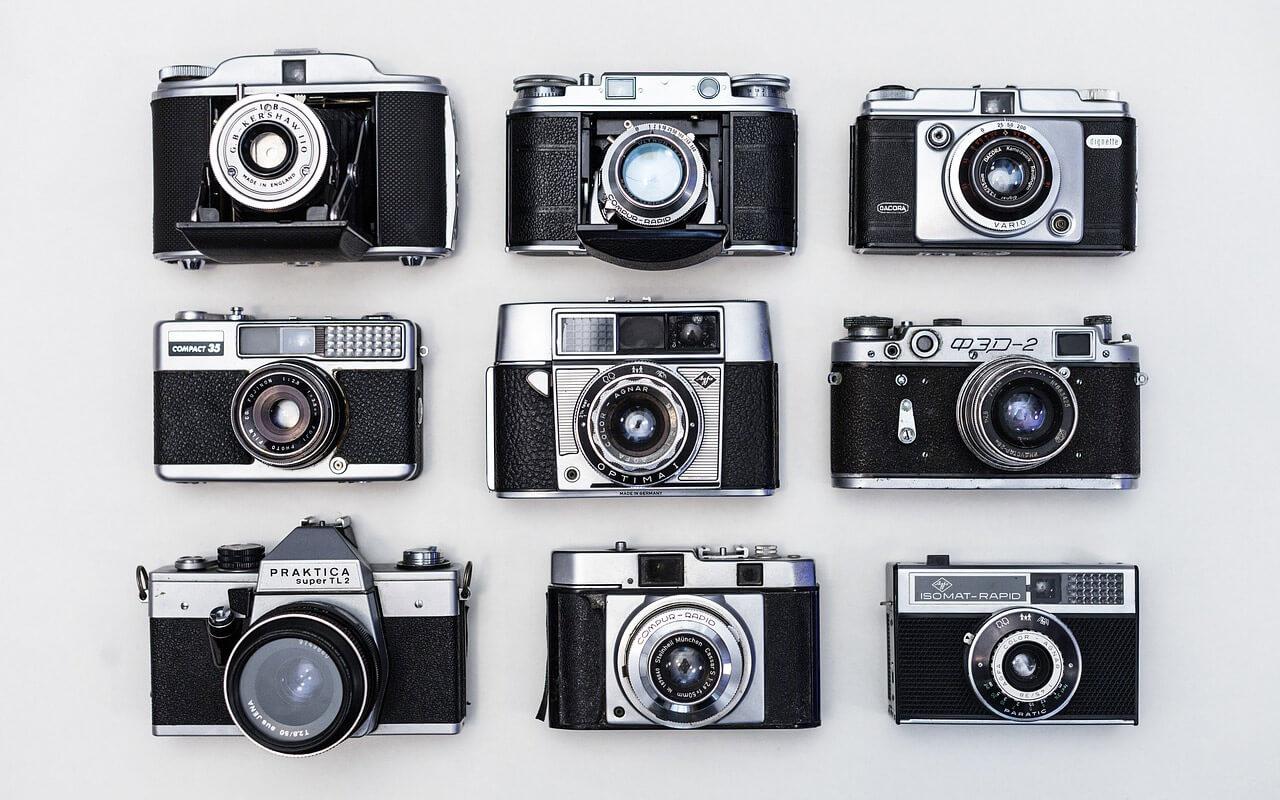 Different-Types-of-Digital-Cameras